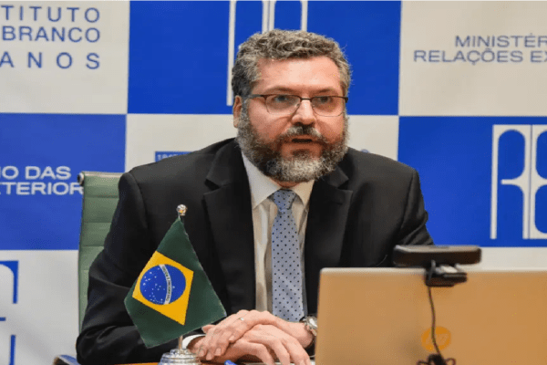 Ernesto Araújo exalta convite feito por Presidente dos EUA