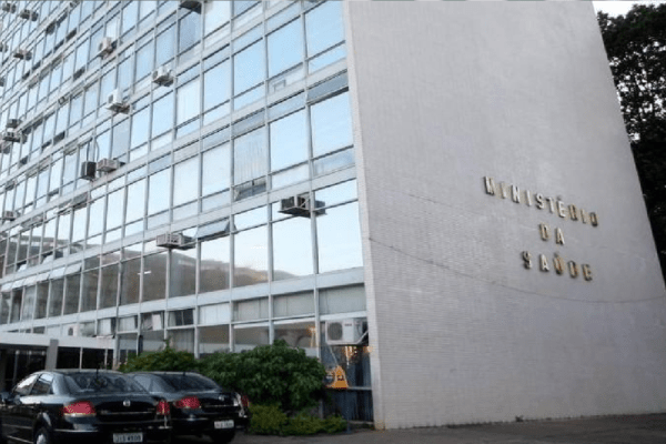 Ministério da Saúde contrata seguro para eventos adversos de dois imunizantes