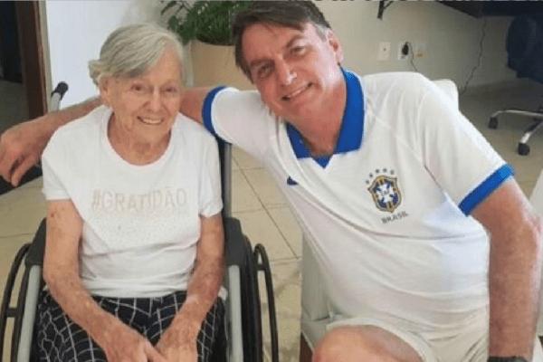 Presidente Bolsonaro publica foto celebrando aniversário da mãe, Olinda Bolsonaro