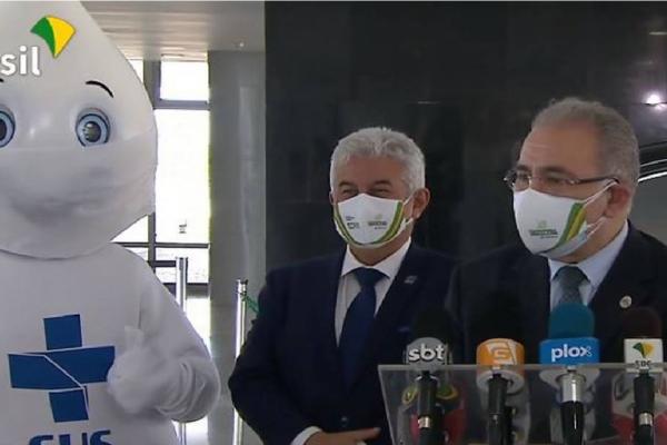 Queiroga defende 'reflexões religiosas no feriado' com uso de máscara