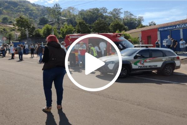 Adolescente invade escola e mata crianças em SC