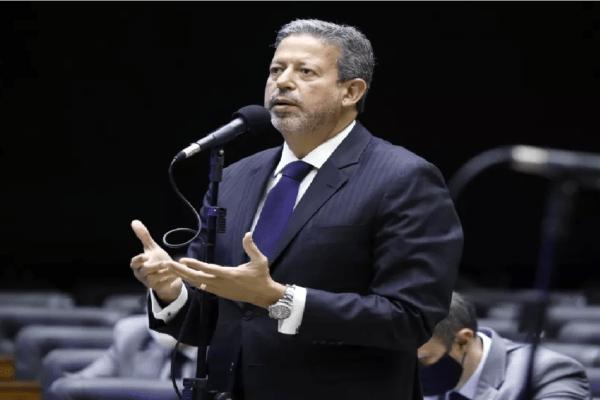 Arthur Lira cria comissão para analisar voto impresso auditável
