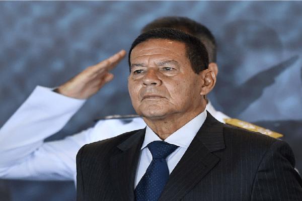 General Mourão lamenta morte de Paulo Gustavo: 'Interpretou alguns papéis que marcaram os últimos tempos'