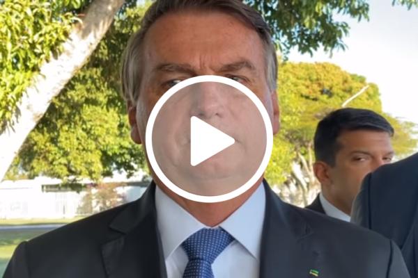 Presidente Bolsonaro defende privatização da Eletrobras e dispara