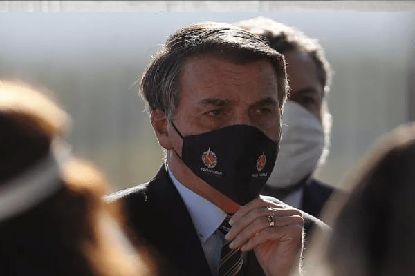 """Bolsonaro: """"Falei que ficar trancado em casa não era a solução"""""""